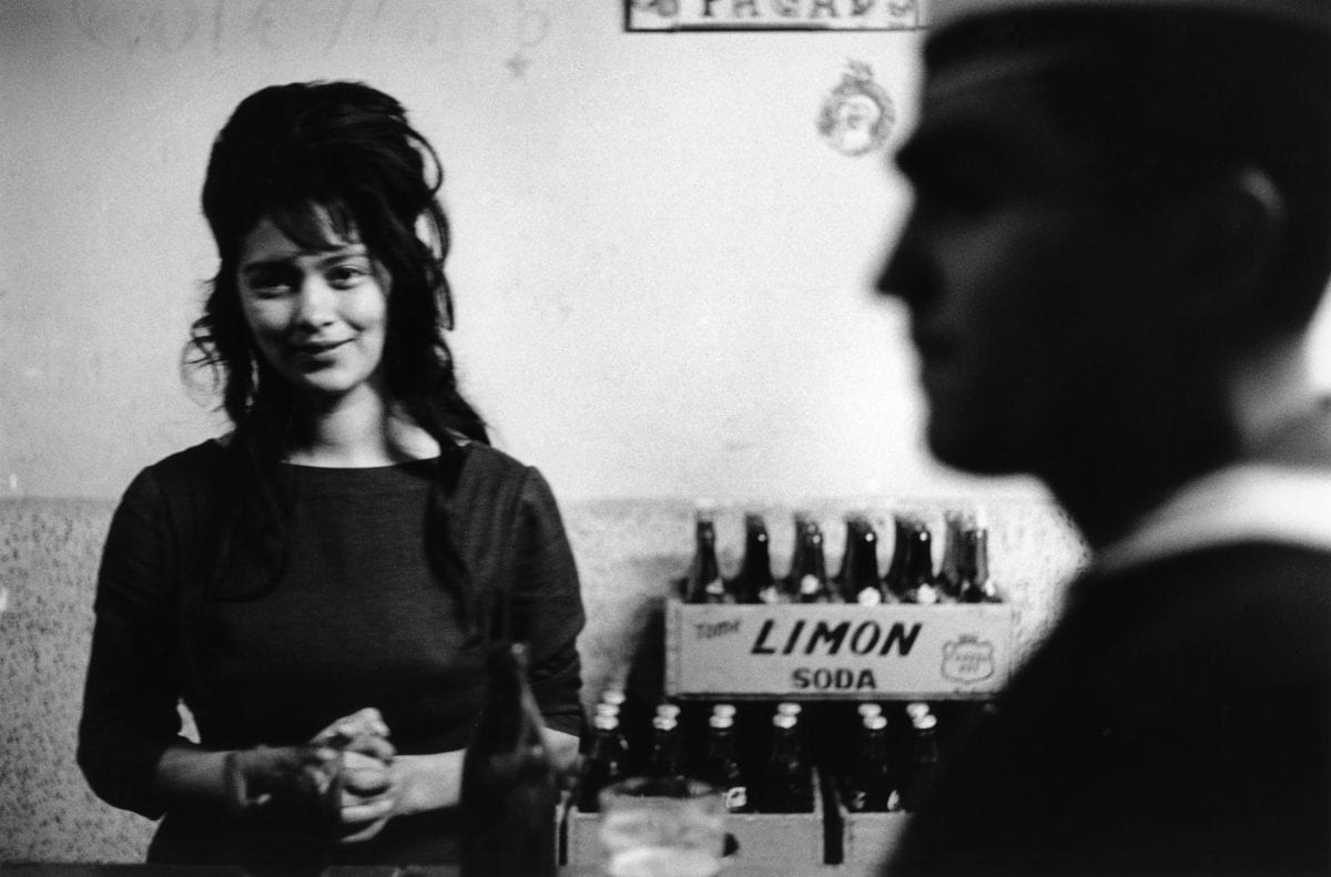 Bar, Valparaiso. Chili, 1963. © Sergio Larrain / Magnum Photos
