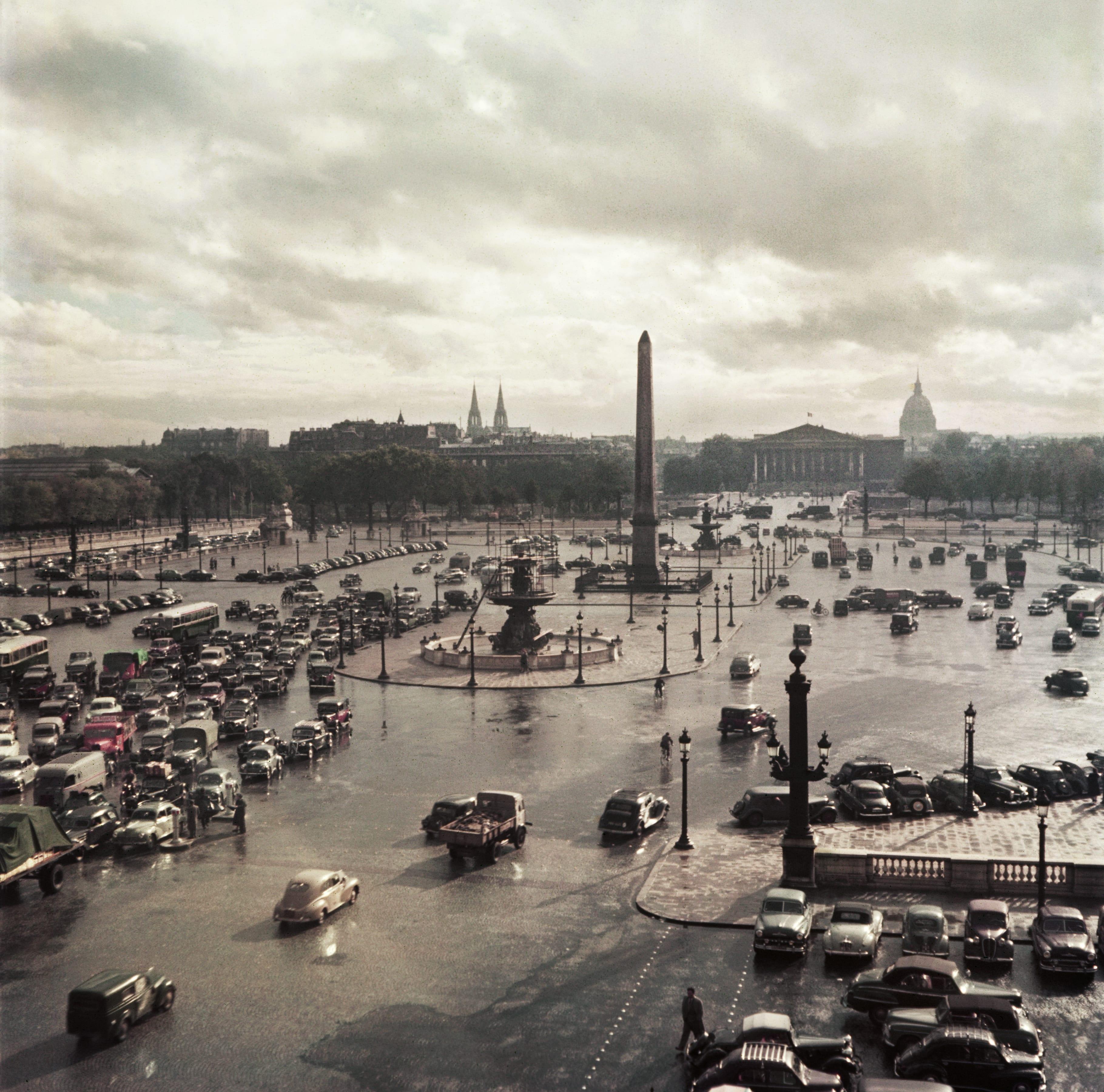 Place de la Concorde from the Time-Life office, Paris, ca. 1952. ©Robert Capa/International Center of Photography/Magnum Photos.
