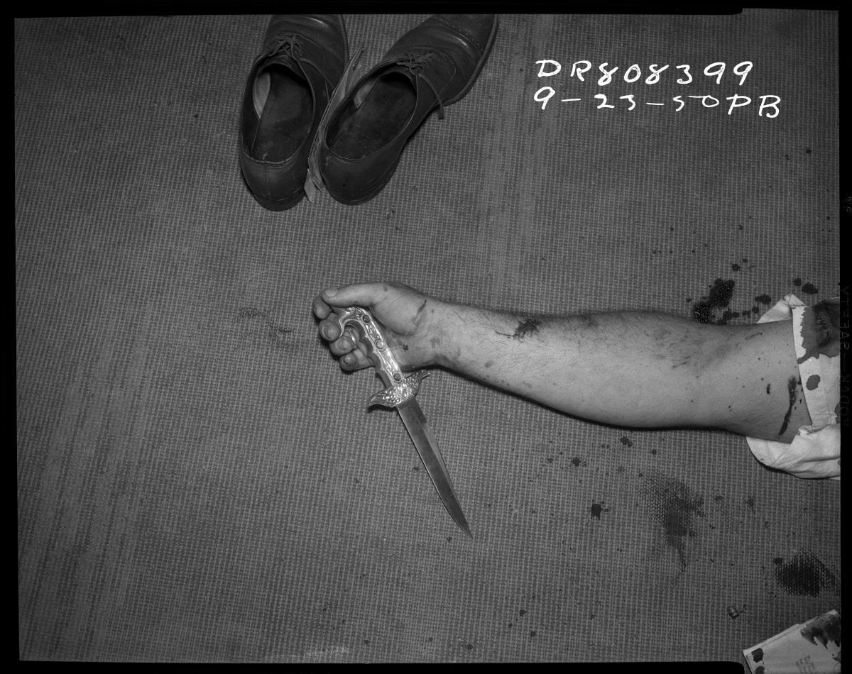 Shoes, arm and knife, 23 September 1950. Photographer: P.B. © LAPD, Image courtesy of Fototeka