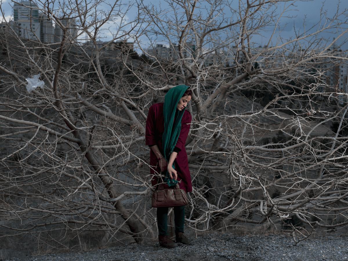 Portrait de Somayyeh, professeur divorcé âgé de 32 ans © Newsha Tavakolian pour la Fondation Carmignac