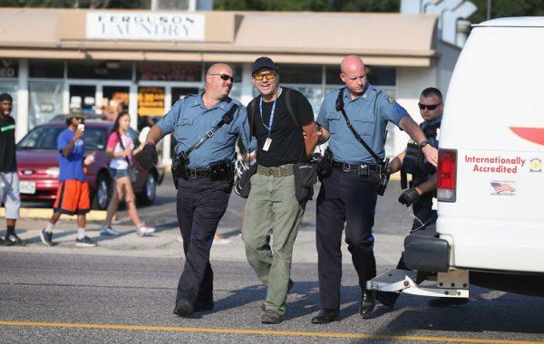 Fisheye Magazine   Le photographe de Getty Images relâché à Ferguson