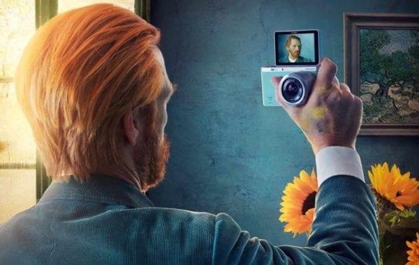 Fisheye Magazine | Une pub imagine le selfie derrière ces portraits