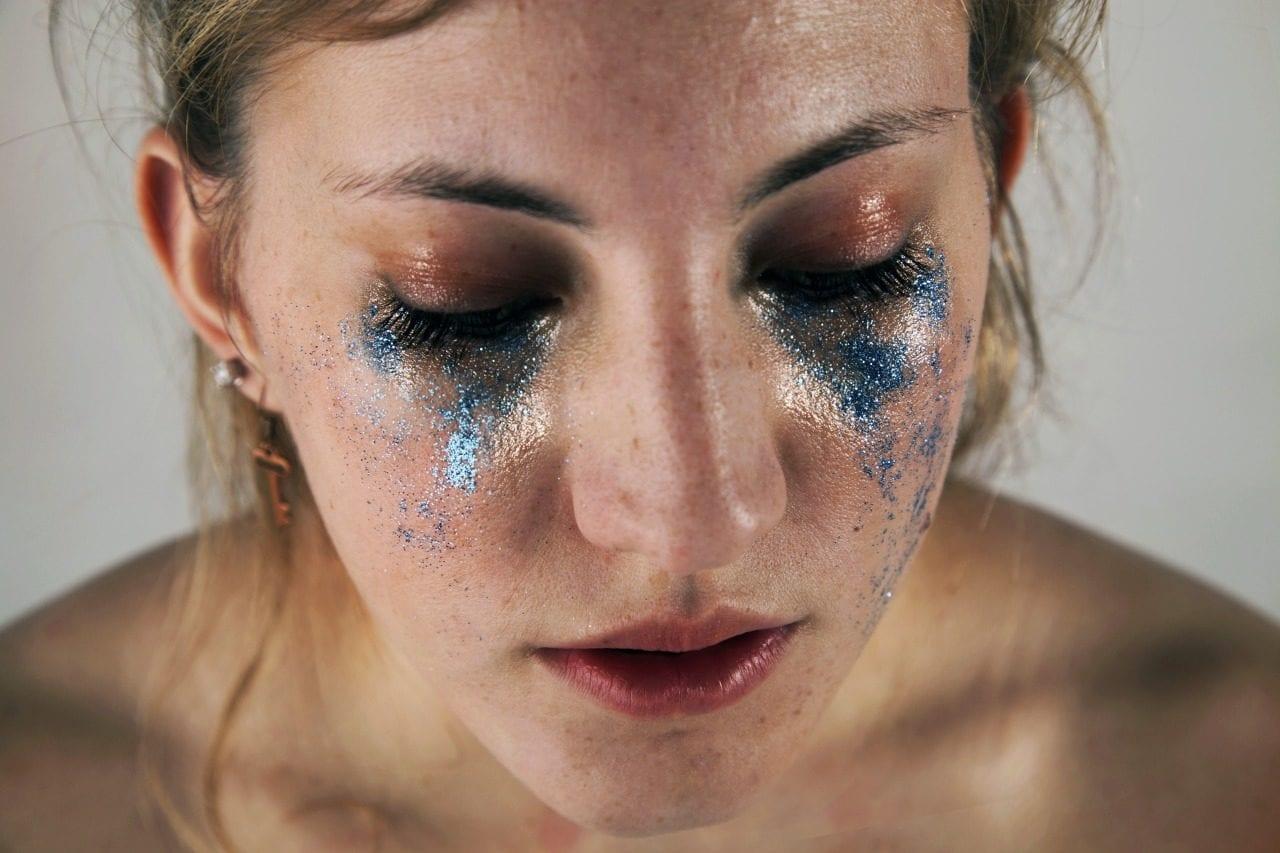 Fisheye Magazine | Des paillettes à la place des larmes