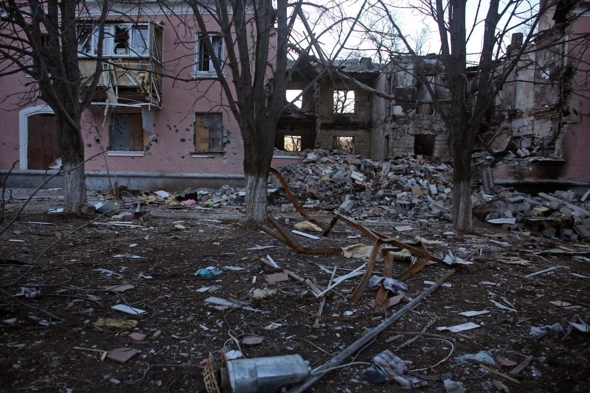 Destructions dans le village de Mironovka, à quelques kilomètres de Debalsteve et de la ligne de front, le 24 février 2015 / ©Rafael Yaghobzadeh