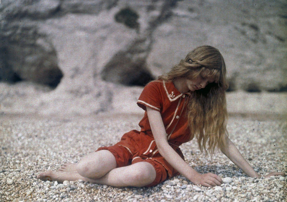 """Christina on the Beach"", 1913 © Mervyn O'Gorman, from The Royal Photographic Society Collection at the National Media Museum"