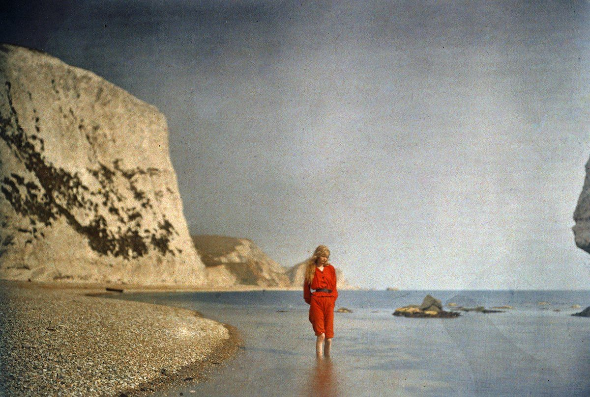 """Christina Paddling"", 1913 © Mervyn O'Gorman, from The Royal Photographic Society Collection at the National Media Museum"