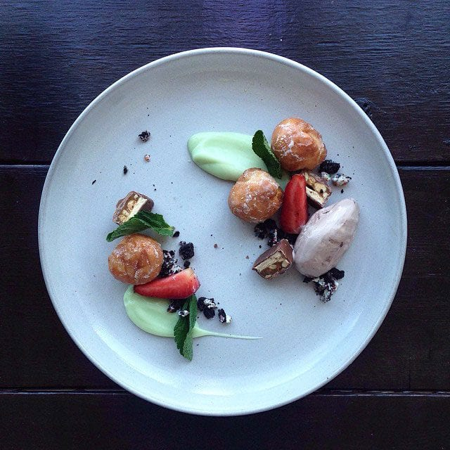 """DUNKIN MUNCHKINS, BIRTHDAY CAKE OREO SOIL, SNICKERS HACHÉ, SHAMROCK SHAKE FLUID GEL!!! ALMOST 4GOT MOOSETRACKS ICE CREAM QUENELLE!!!!""/ © @chefjacqueslamerde / Instagram"