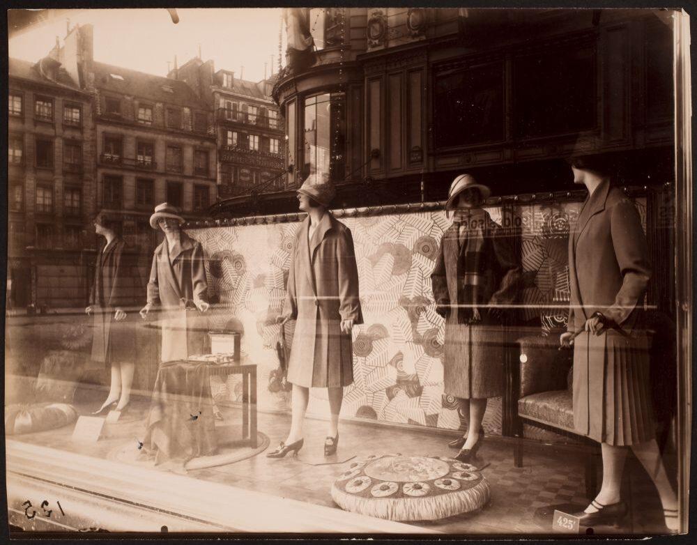 Au Bon Marché, 1926-27, © Eugène Atget / George Eastman House