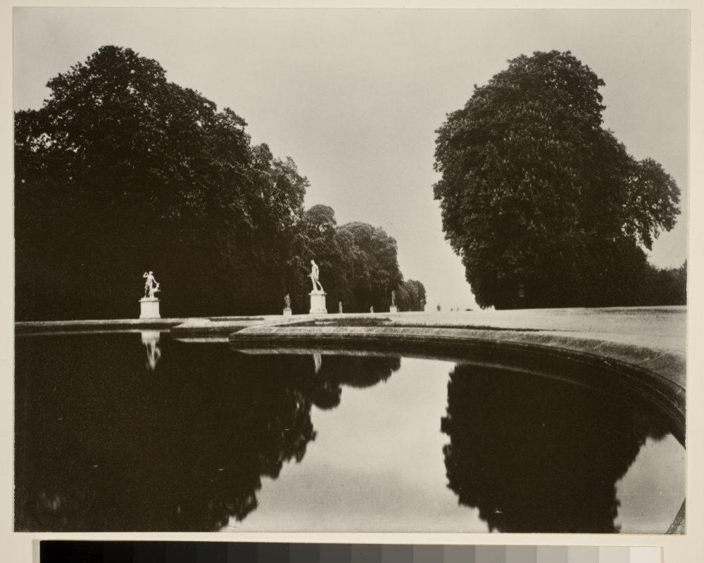 Parc de Saint-Cloud, 1915-19, © Eugène Atget / George Eastman House