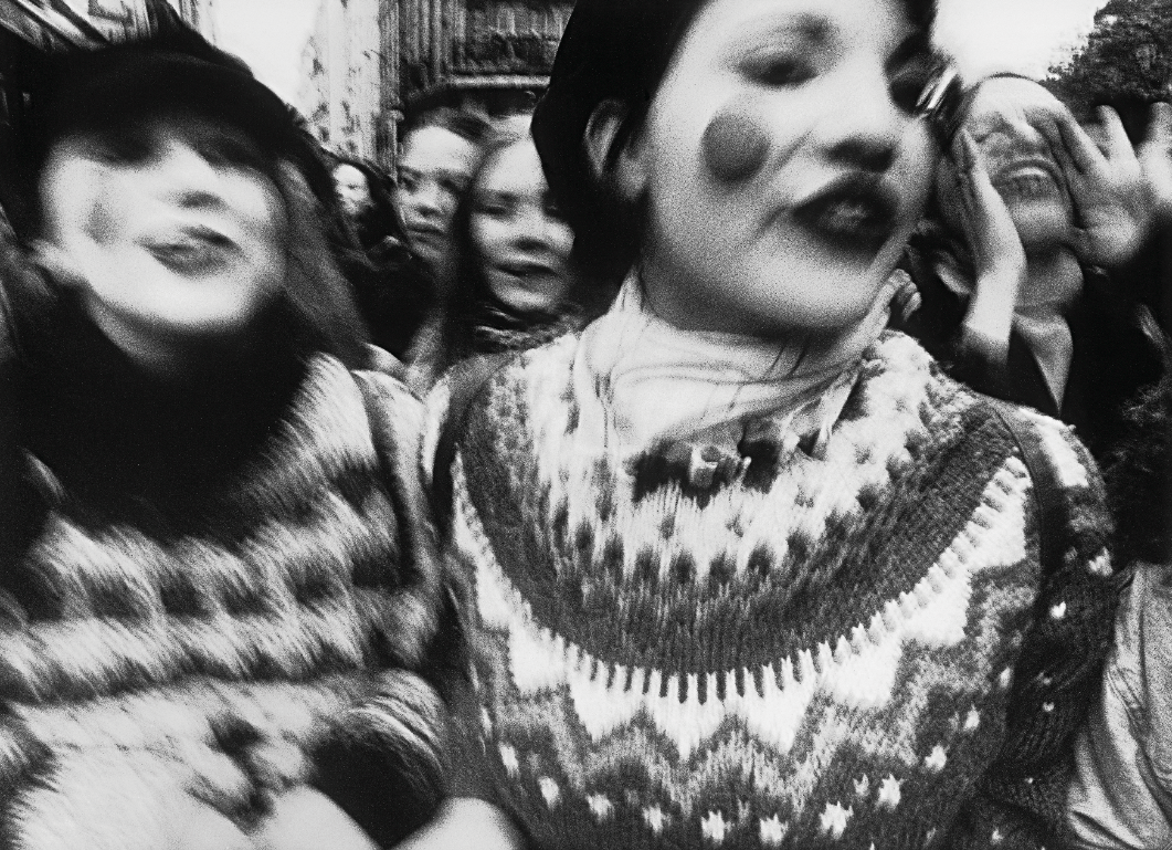 William Klein_ Manifestation de lyceens_1998. Courtesy Polka Galerie