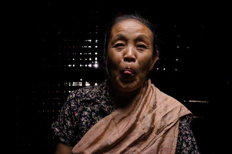 femme-du-laos-remi-chapeaublanc-3