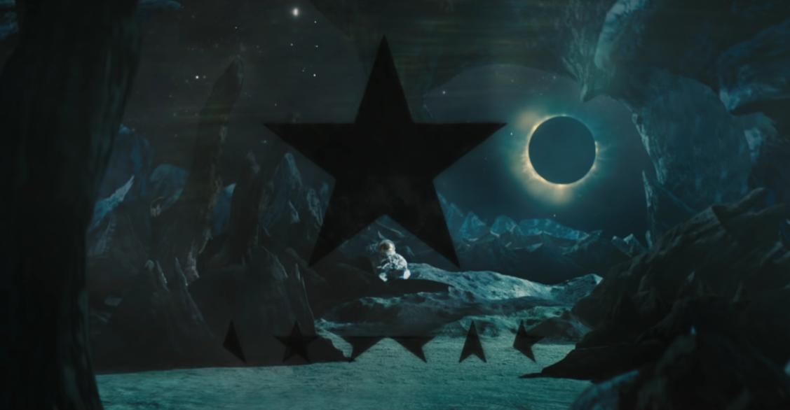 """Capture d'écran / Extrait du clip """"Blackstar"""""""