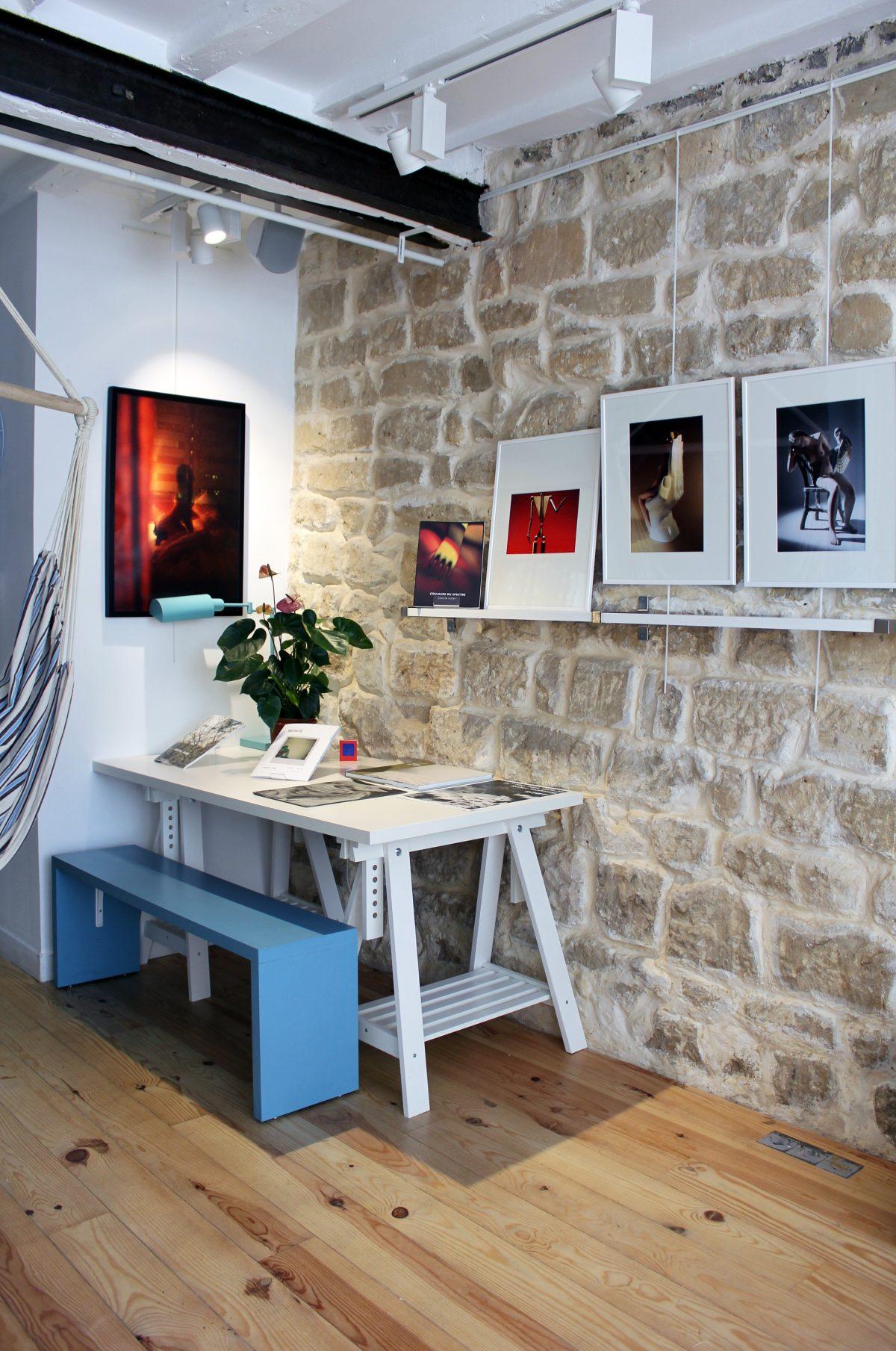 """Quelques photos de l'exposition """"Intimités / Identités / Réalités contemporaines"""" à la More Than A Gallery © Esthèle Girardet"""