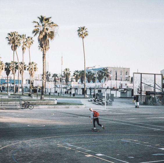 © Sebastien Zanella / Instagram