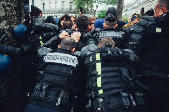 Manifestation contre la haine anti flics, place de la républiqu
