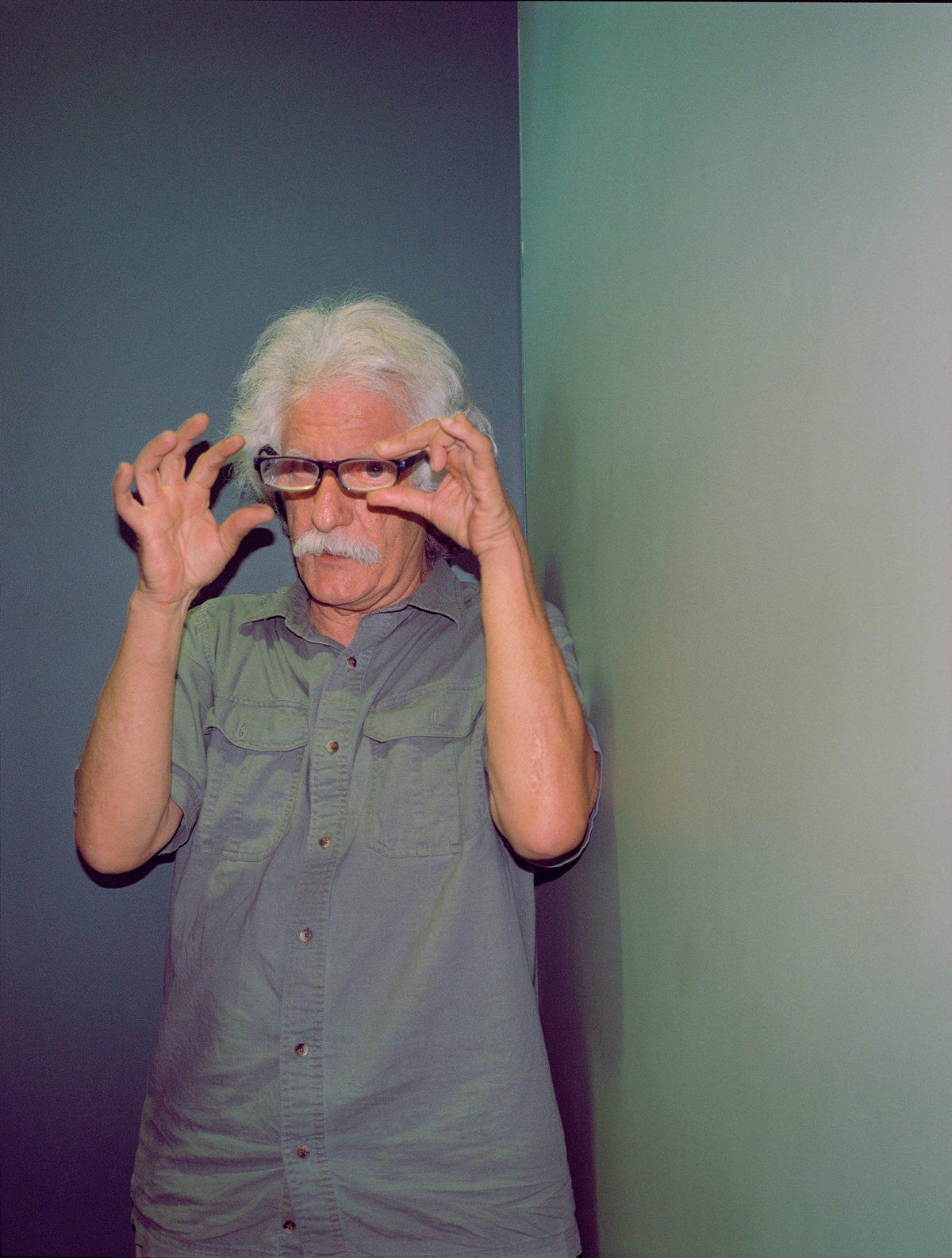 """Jim Dilettoso est connu pour avoir analysé la vidéo des célèbres """"Lumières de Phoenix"""" (un ovni en forme de V aurait survolé la ville en 1997) et a conclu qu'il ne pouvait s'agir d'images truquées par l'homme"""