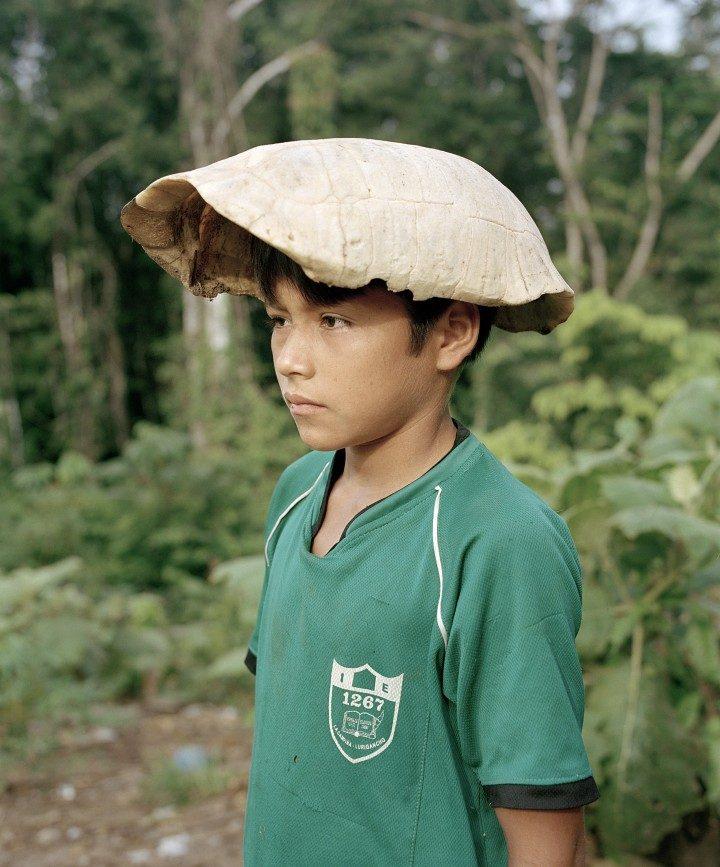 Gorra de Motelo (casquette de tortue), 2015. Avec l'aimable autorisation de l'artiste. / Gorra de Motelo (Turtle Cap), 2015. © Yann Gross