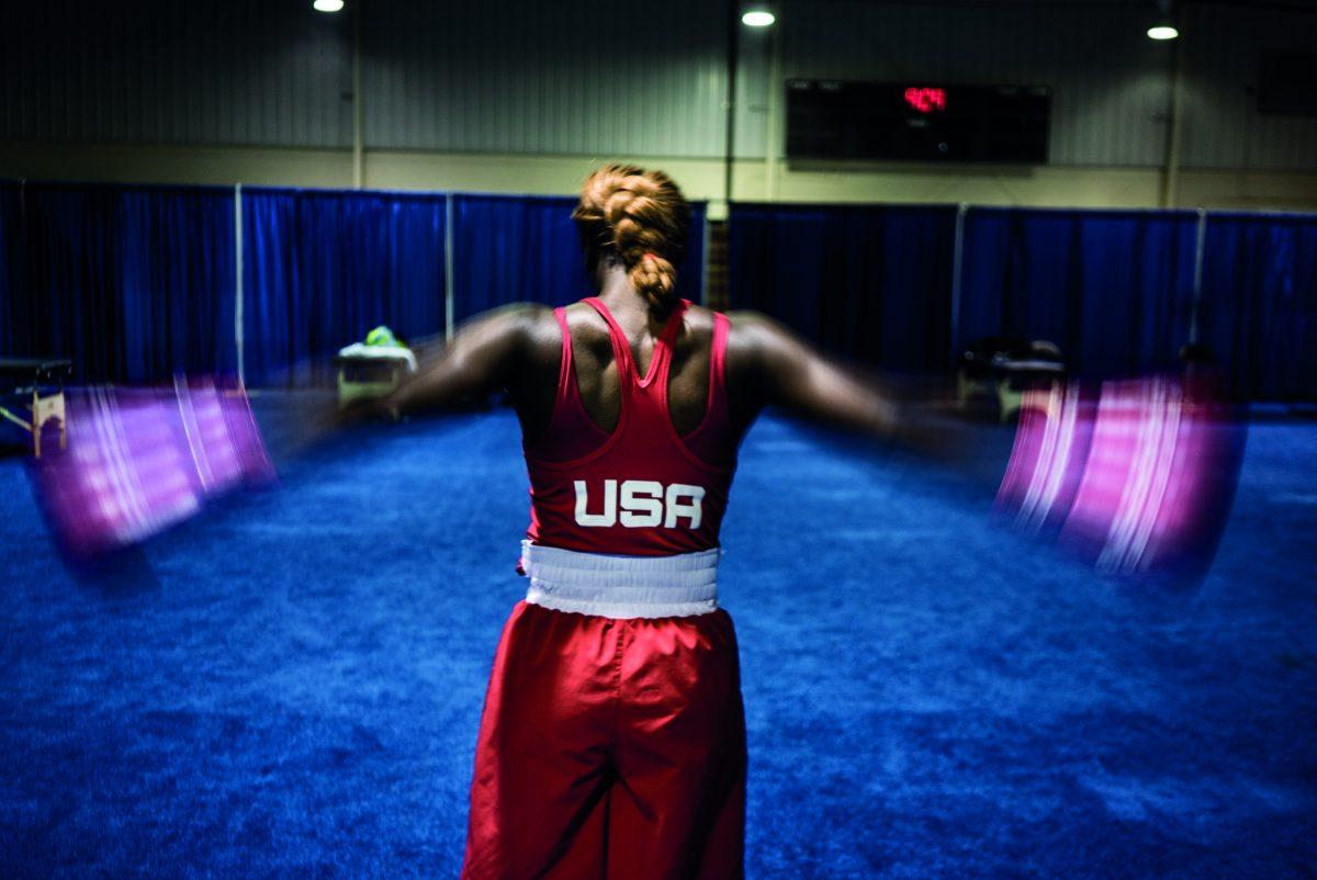 """Claressa s'échauffe avant un combat des Jeux panaméricains de Toronto. 25 juillet 2015. / Extrait de """"T-Rex"""", © Zackary Canepari"""