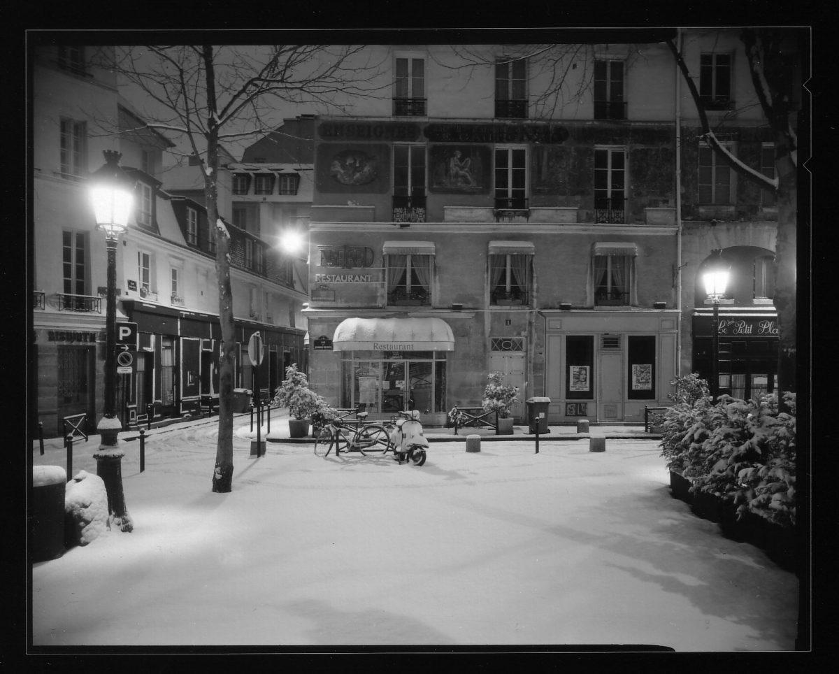 """Extrait de """"Paris en gris (1994-1995), © Bogdan Konopka, courtesy Galerie Françoise Paviot"""