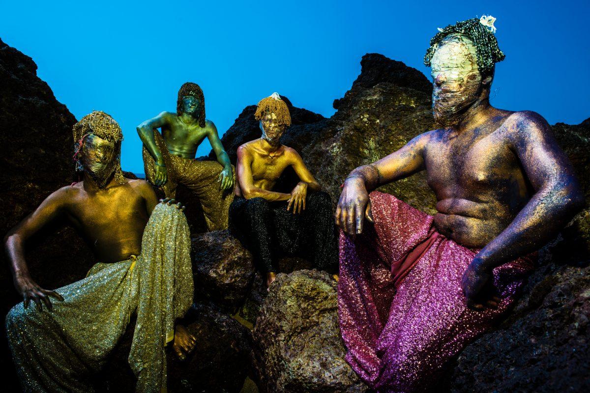 One with the Universe © Sandeep Dhopate. Images en edition limitée disponibles à la Public House of Art https://publichouseofart.com/artists/sandeep-dhopate
