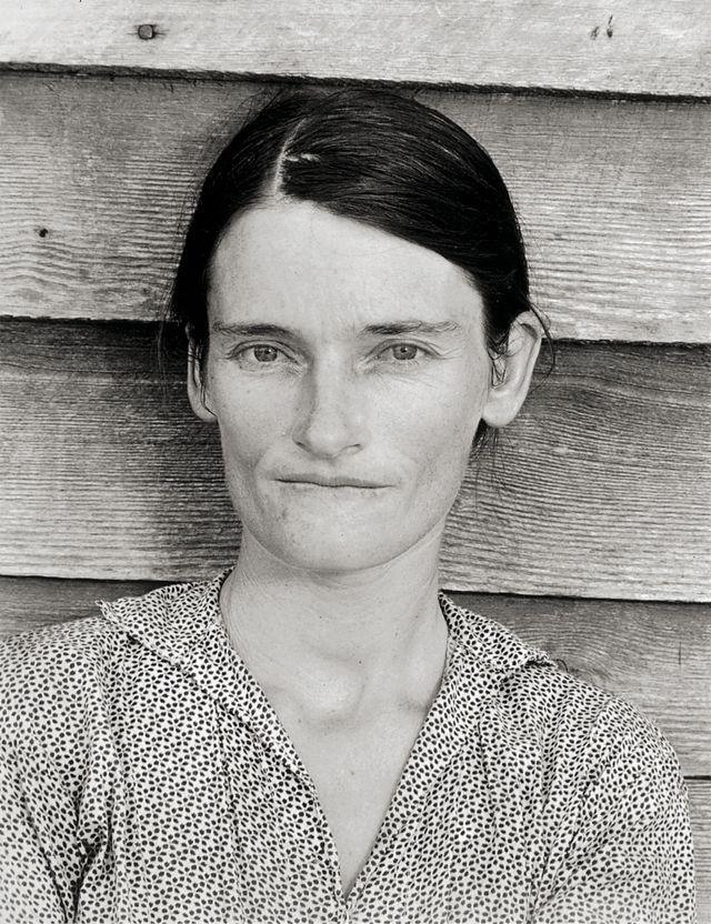 Épouse d'un métayer cultivant le coton, Comté de Hale, Alabama, 1936 © Walker Evans Archive, The Metropolitan Museum of Art