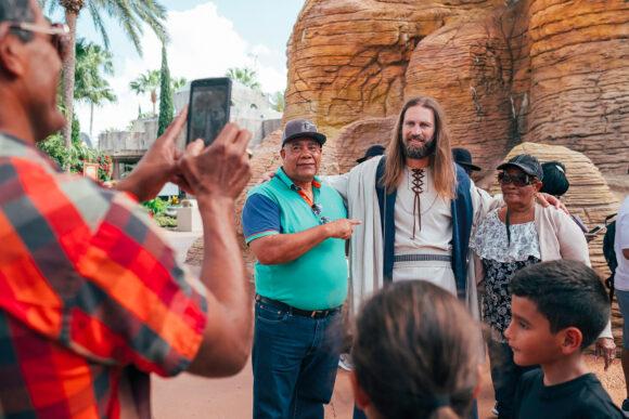 Des touristes dans Holy Land, parc d'attractions a Orlando (Floride) qui a pour thème l'Ancien et le Nouveau Testament © Cyril Abad