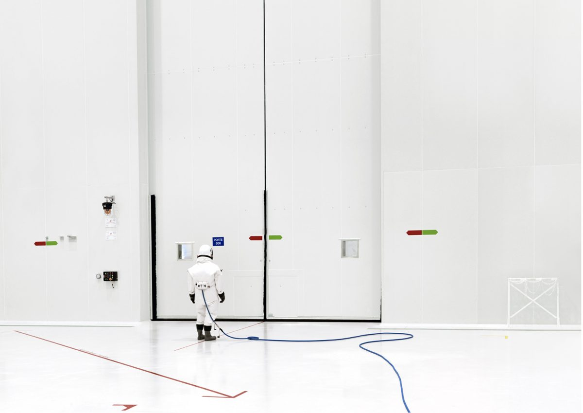 Ergol #12, S1B clean room, Arianespace, Guina SPace Center, Kourou, Guinée française, 2011 © Vincent Fournier
