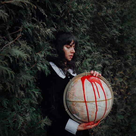 Lauren Zaknoun-Instagram-FE2