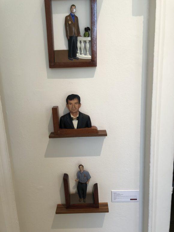 Il fallait débourser 4500 livres pour ces statuettes de Martin Parr sur le RoseGallery de Santa Monica