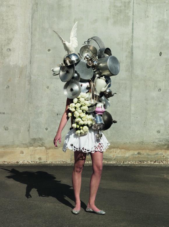 Kate_FICHARDTotem_de_vieExposition_MILLENNIALS_au_femininHavas_GalleryClub_des_DA-jpg