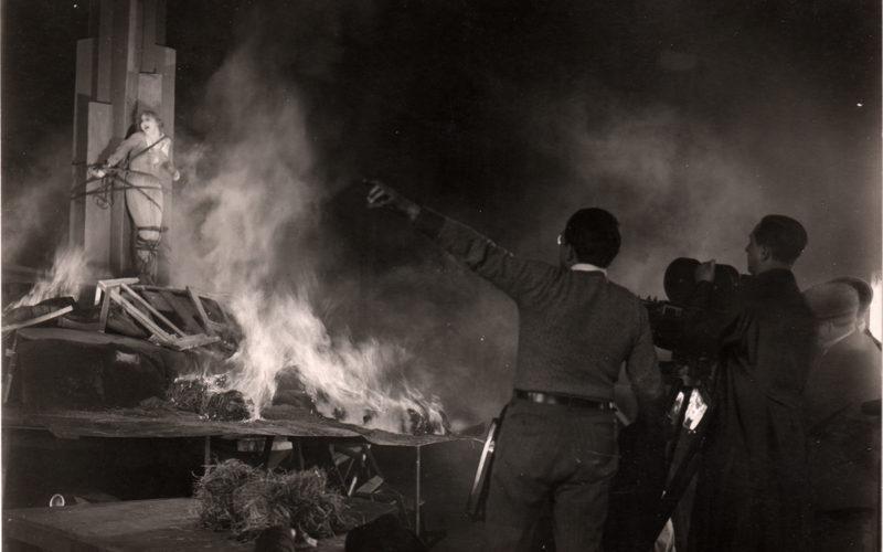 METROPOLIS Brigitte Helm et Fritz Lang, 1927.