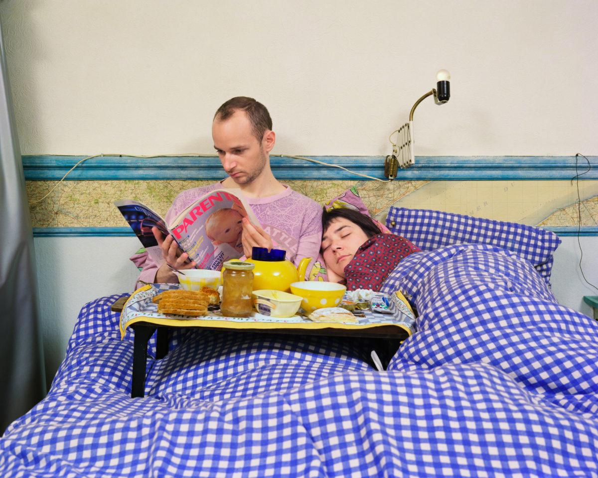 Le petit déjeuner, série « Les Dimanches », 1997 © Véronique Ellena