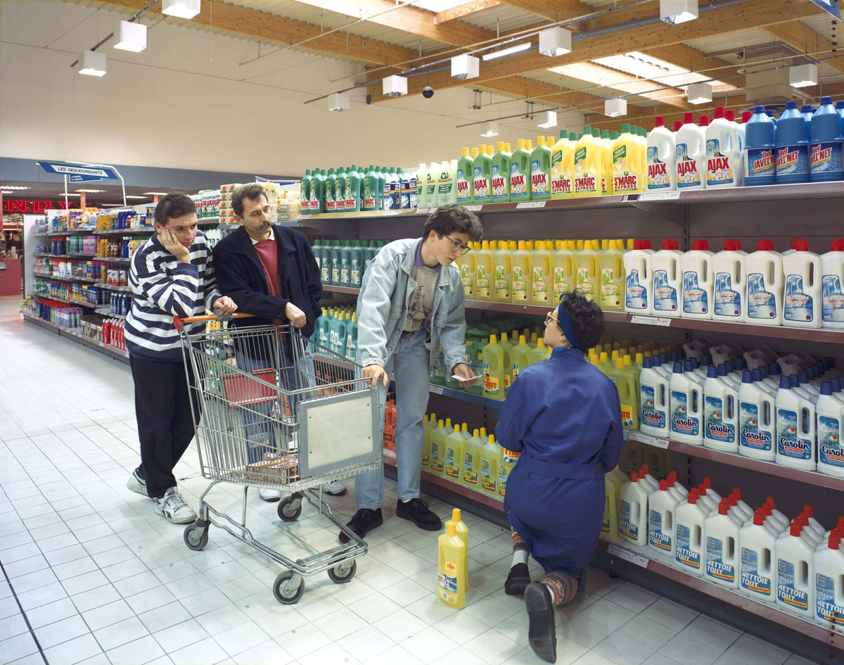 Rayon produits d'entretien, Les Supermarchés, 1992 © Véronique Ellena