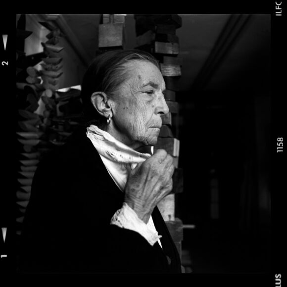 Louise Bourgeois, New York, 1993 © Gérard Rondeau
