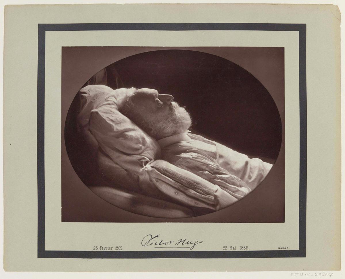 © Félix et Paul Nadar, Victor Hugo sur son lit de mort, 1885 BnF, département des Estampes et de la photographie