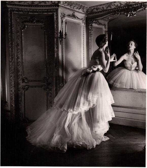 Louise Dahl-Wolfe, Mode, Robe du soir par Dior, Paris, 1950
