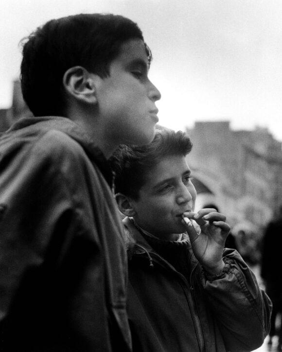 © Sabine Weiss / Courtesy Les Douches la Galerie, Paris