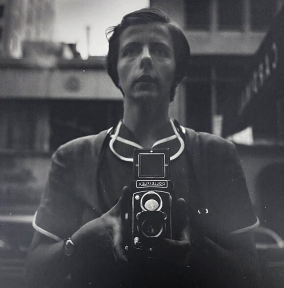 © Estate of Vivian Maier / Courtesy Maloof Collection;Howard Greenberg Gallery, New York & Les Douches la Galerie, Paris