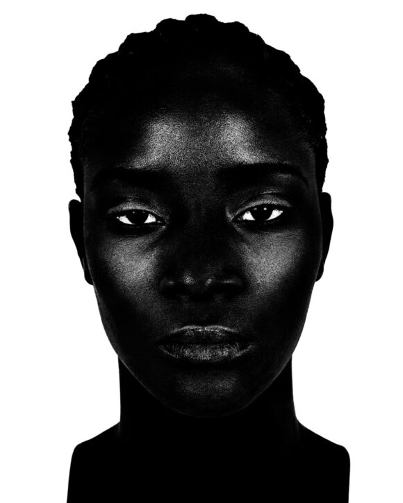 Valérie Belin, Trois portraits de femmes noires sur fond blanc / © BnF - Département des Estampes et de la photographie © Adagp, Paris, [2020]